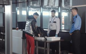 空港で働く