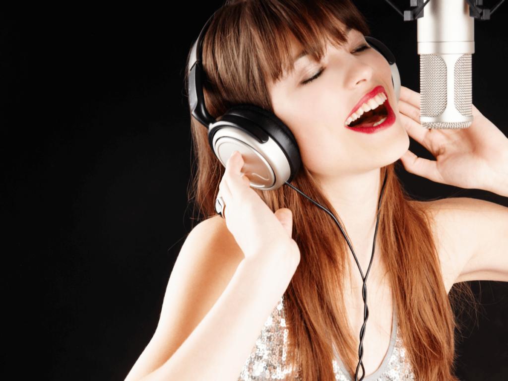 歌手になりたい人必見!年齢で諦めないで!